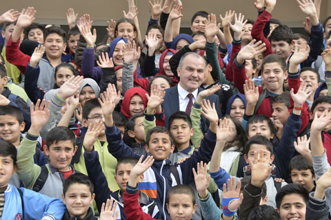 pamukkale_belediye_başkanı_gürlesin_eğitim_dönemi-açıklama