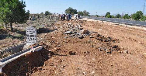 denizli-civril-tarihi-mezarliktan-yol-gecti-ic