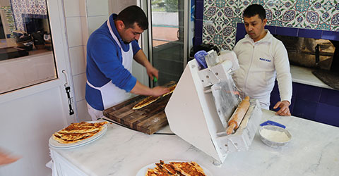 denizli-marmaris-gezilecek-mekan-restaurant-mavi-pide-2