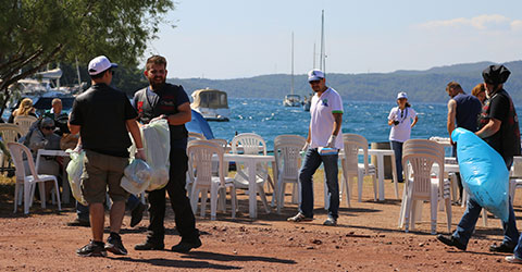 denizli-marmarise-yolculuk-motorcu-ekibi-cop-temizligi