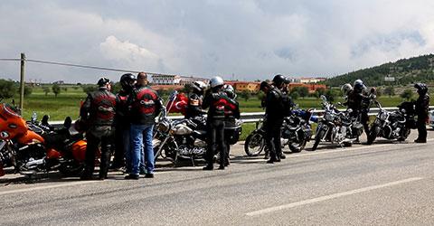denizli-marmarise-yolculuk-motorcu-ekibi-tavas