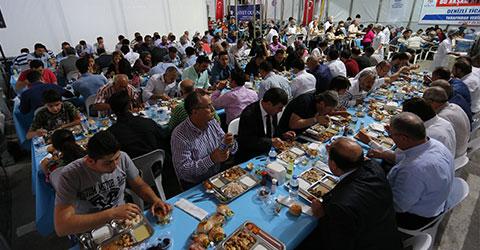 denizli-buyuksehir-belediyesi-iftar-cadiri-1