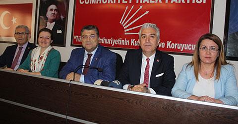 denizli-chp-genel-sekreteri-sindir-turkiye-monarsi-rejimine-dogru-surukleniyor-1