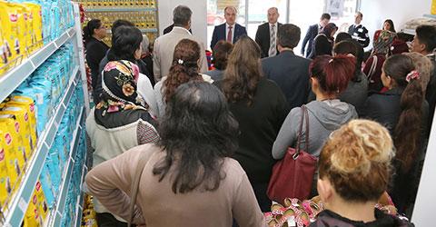denizli-pamukkale-belediyesi-sosyal-market-hizmete-girdi-1